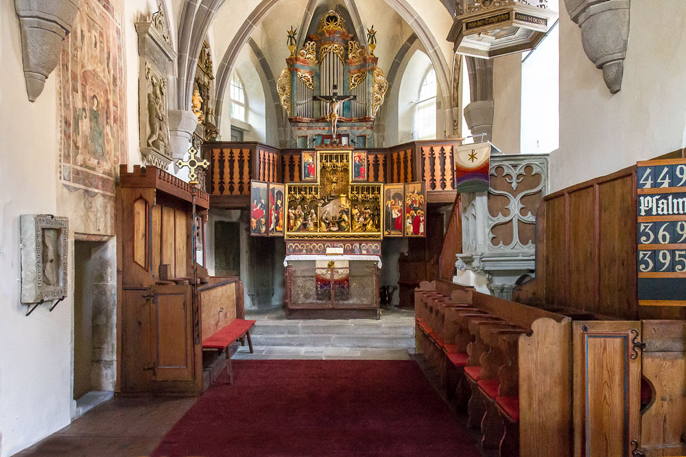 Altarraum der Urbanskirche