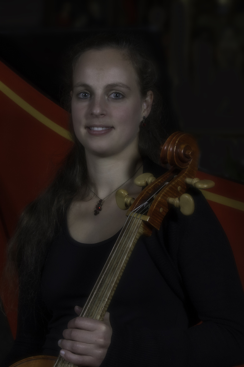 Marie Deller (Cello Blockflote)